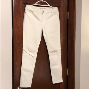 Micheal Kors size 6 white jeans